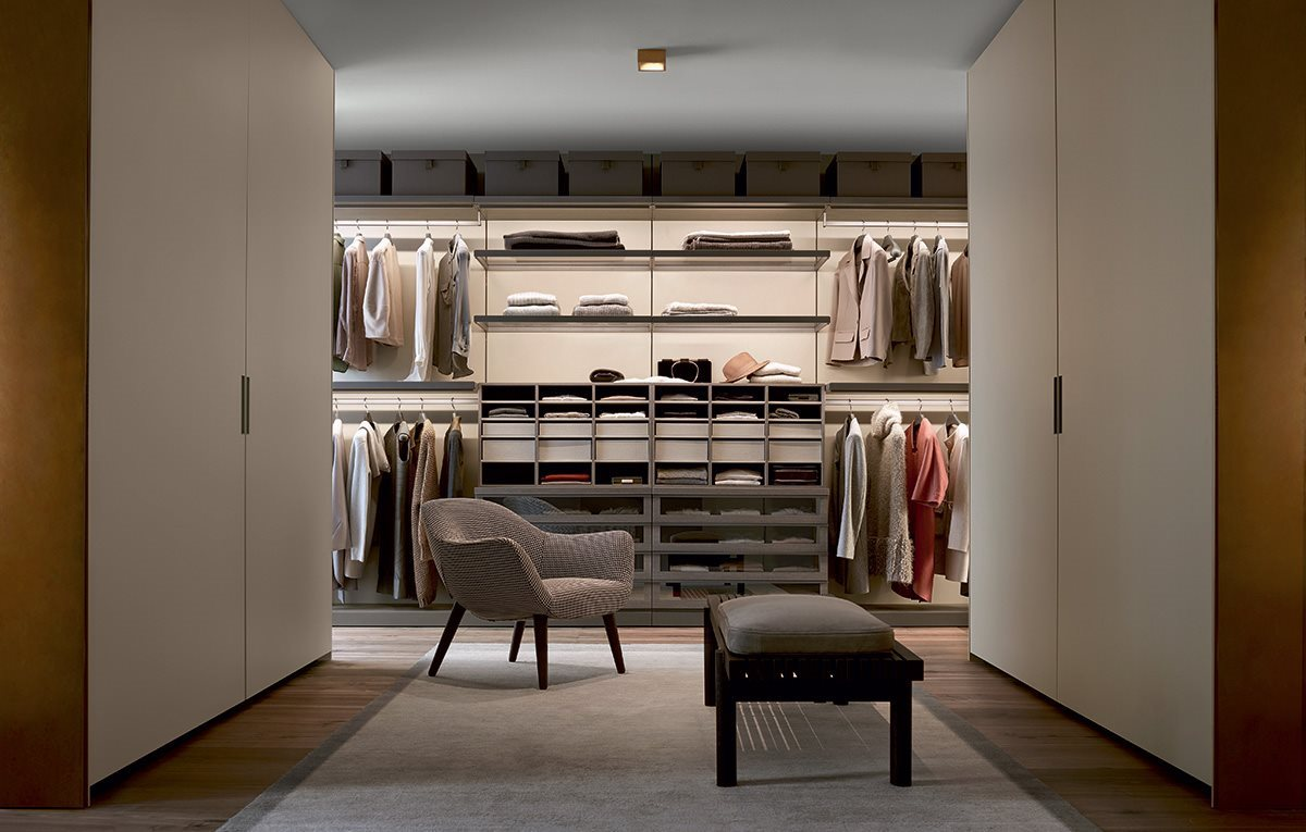 Product Image ubik walk-in closet