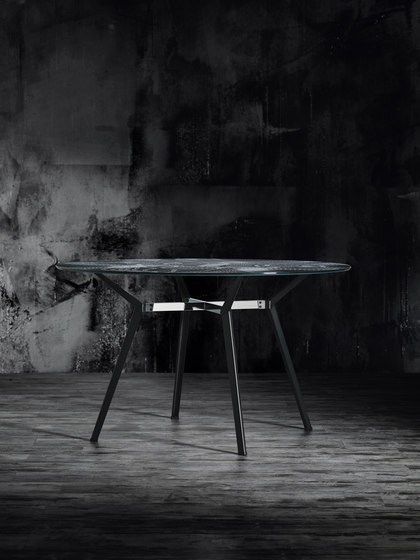 Product Image Pylon Round Table